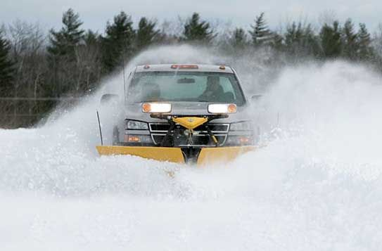 """Taller at the outer edge and features a tighter blade curl, with graduating moldboard overhang that's 3½"""" on outermost end of blade wings. All of this works together to keep snow rolling off to side instead of onto your windshield."""